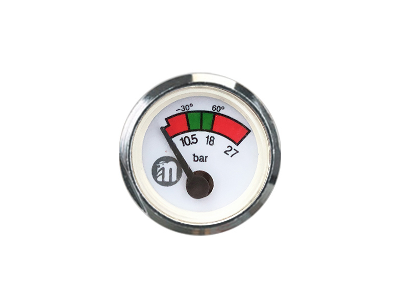 Several situations of failure of precision pressure gauges